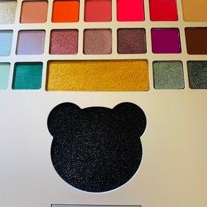 Moschino Makeup - LAST ONE ☝️ Moschino eyeshadow laptop pallet